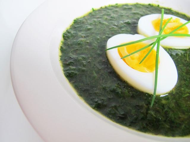 Keitto maistuu myös kananmunalla