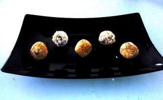 Reseptejä ja treenejä: maapähkinävoi-proteiinitryffelit