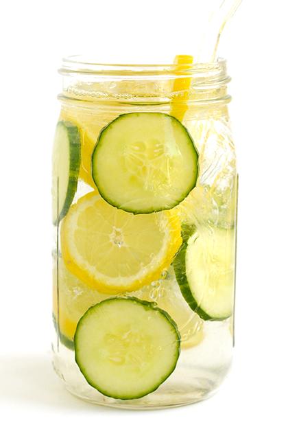 Reseptejä ja treenejä: raikas sitruuna-kurkkuvesi