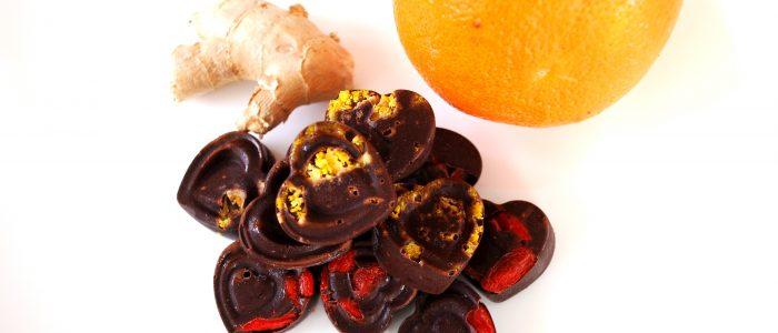 Reseptejä ja treenejä: jouluiset appelsiini-inkivääriraakasuklaat
