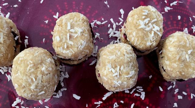 Gluteeniton ja maidoton kookosmacaron, leivos